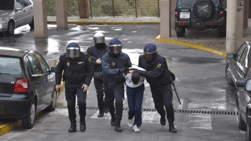 Prisión para once de los detenidos por los disturbios en dos barrios de Melilla