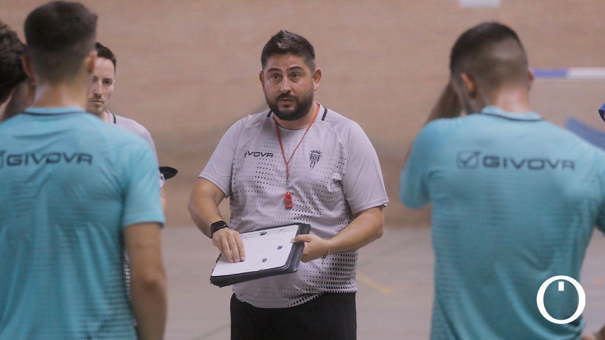 Josan González, en un entrenamiento del Córdoba Patrimonio