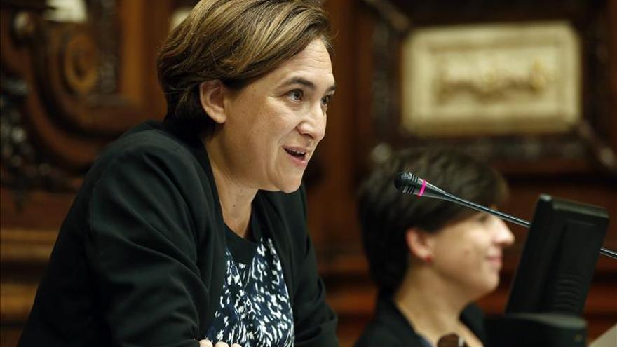 """Colau califica de """"vergüenza"""" que el Estado celebre un """"genocidio"""" el 12O"""