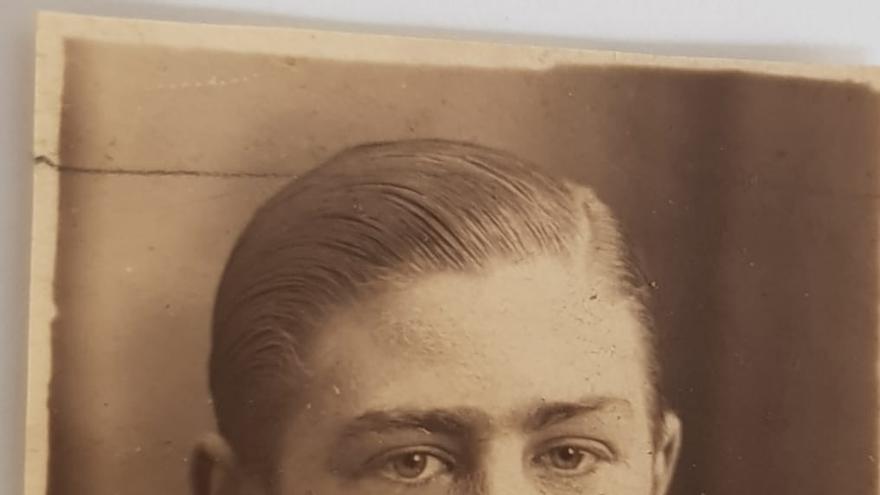 Josep Sala, a los 18 años, antes de irse al frente.