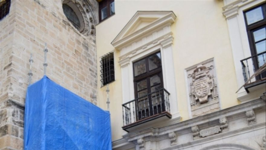 Retirada de los símbolos franquistas de la catedral de Cuenca