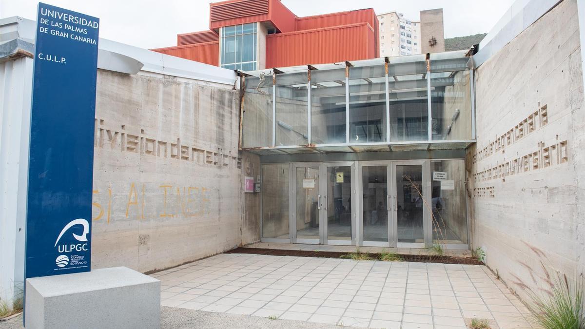 Cesión del antiguo Colegio Universitario de Las Palmas para ampliar el Hospital Insular
