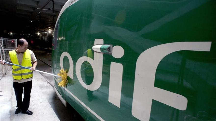ADIF presenta una denuncia ante los Mossos por el corte de cables de la línea del AVE