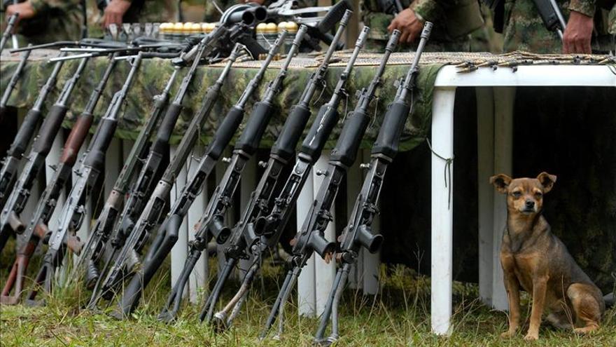 Las Fuerzas Armadas colombianas fundirán más de 12.000 armas de las FARC y el ELN