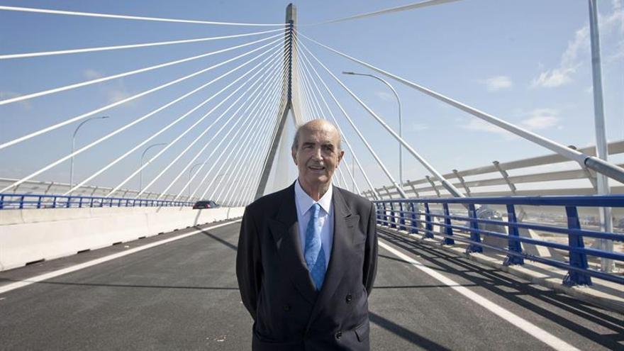 Ingeniero español Javier Manterola, premiado por su trayectoria en México