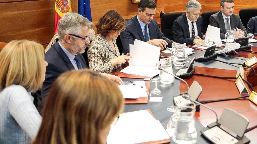 Pedro Sánchez preside en la Moncloa una reunión del Comité de Coordinación sobre la situación en Catalunya.