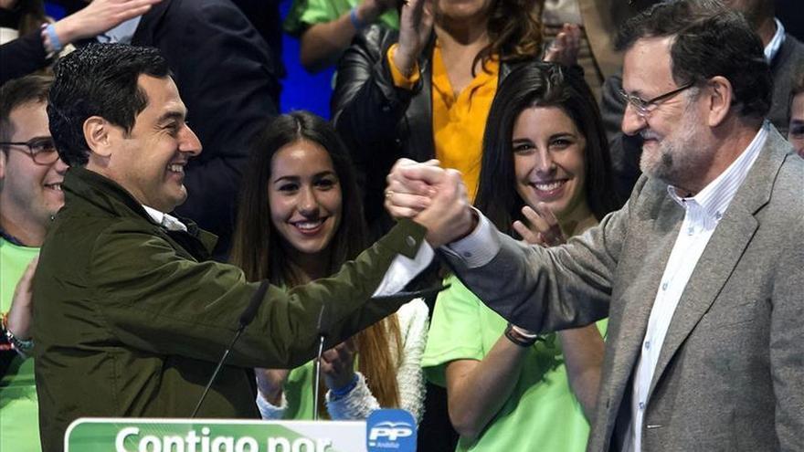 Rajoy dice que con el PP en el Gobierno y la Junta se crearían un millón de empleos