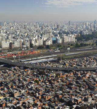 Esta semana se conoció el índice de pobreza: seis de cada diez chicos argentinos no pueden satisfacer las necesidades básicas./Martín Katz