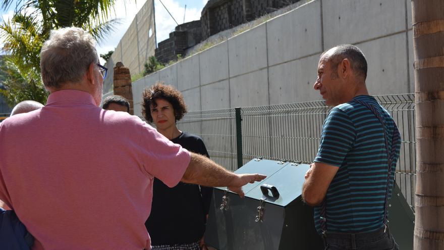 Acto de entrega de la compostera al Centro de Atención a la Discapacidad Triana.