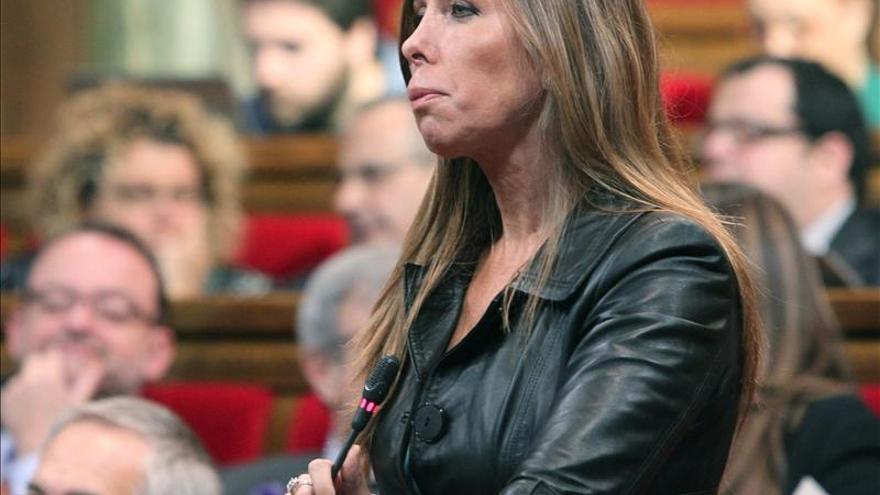 Sánchez-Camacho cree que CiU se romperá si Mas opta por elecciones plebiscitarias