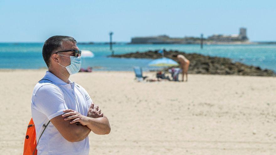 ¿Qué pasa si el coronavirus te pilla de vacaciones? Canarias busca respuestas para proteger de la incertidumbre a su principal industria