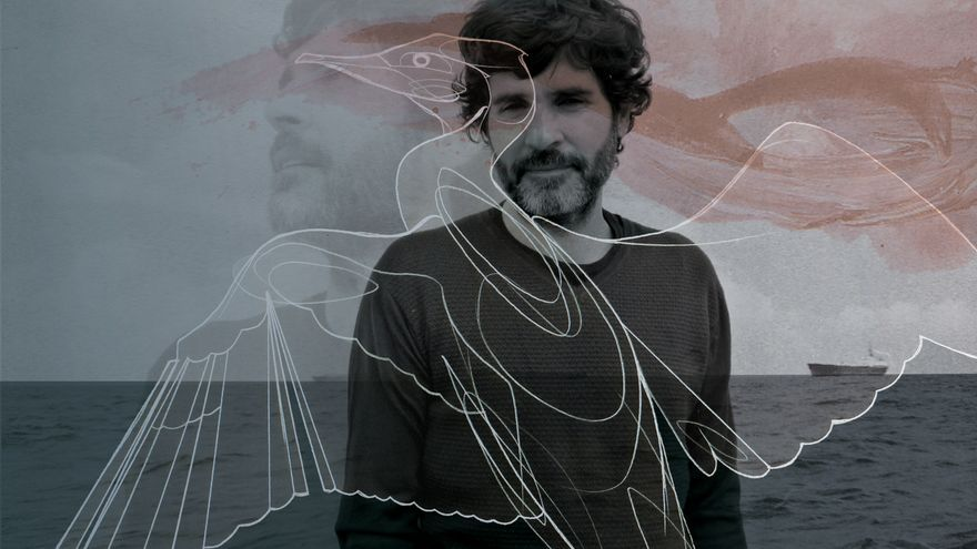 El artista Nacho Umbert en un montaje