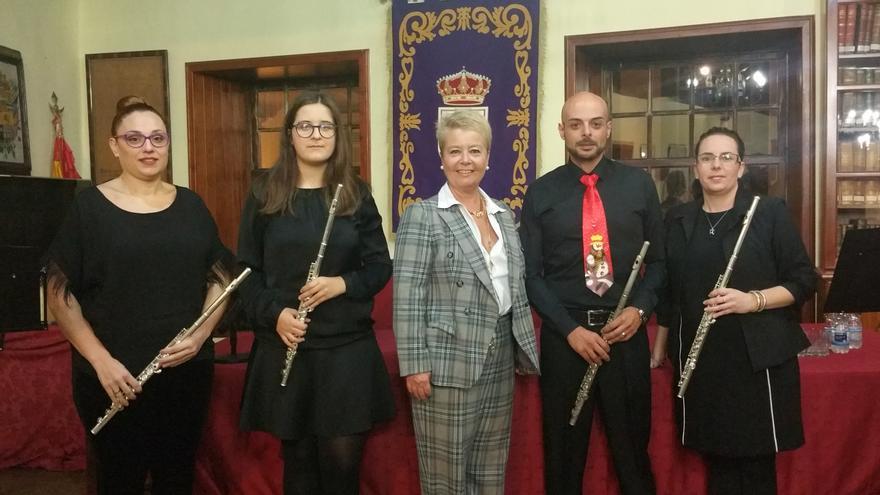 El Cuarteto de Flautas junto a Rosa Aguado.
