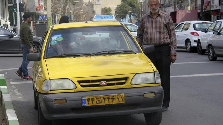 """Las calles de Teherán ya no son aptas para tanta variedad de """"taxis"""""""