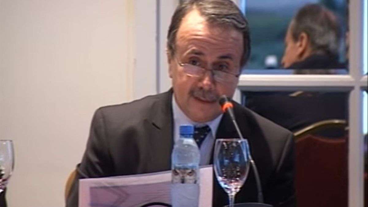 El extitular del Occovi, Gentili, en una exposición como funcionario. Fue el sucesor de Claudio Uberti, otro funcionario investigado en varias causas.