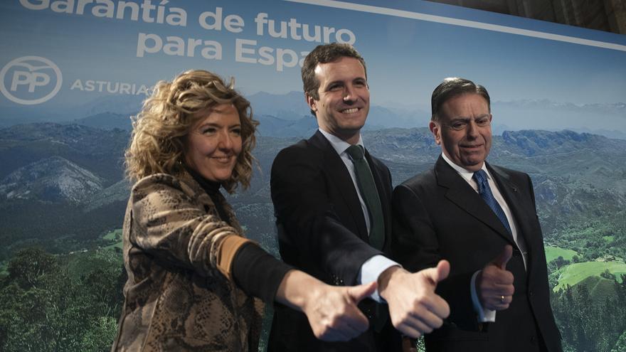 Teresa Mallada, Pablo Casado y Alfredo Canteli, en Oviedo.