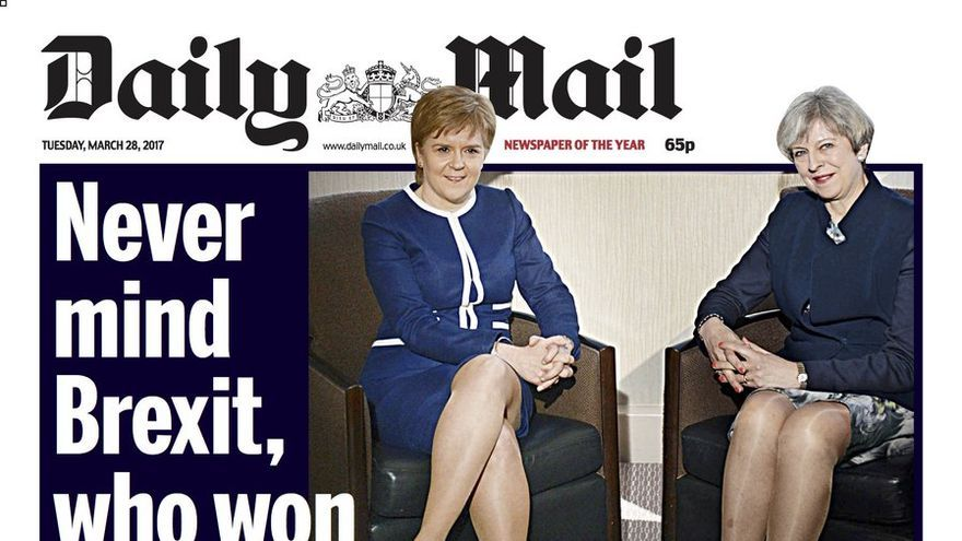 Portada sexista del Daily Mail con la imagen de Theresa May y Nicola Sturgeon.
