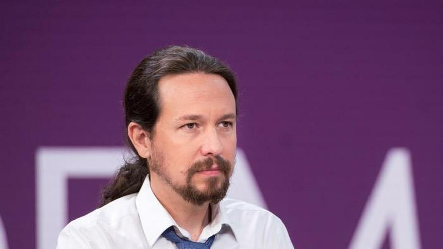 Iglesias pide al rey que medie para convencer a Sánchez de la coalición