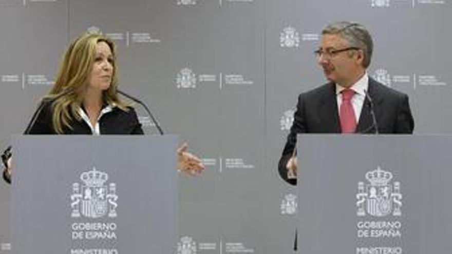 Reunión de Trinidad Jiménez y José Blanco