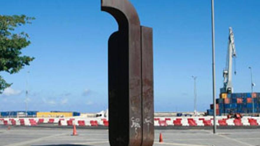 La escultura mutilada de Chirino.
