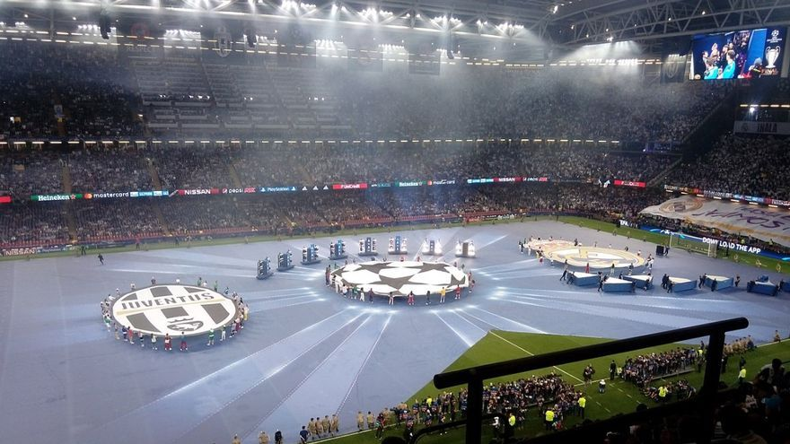 Imagen de archivo de la ceremonia de apertura de la final de la Champions 2016-2017, en Cardiff.