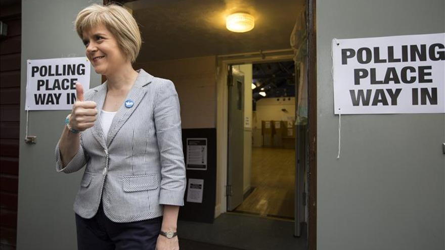 Sturgeon pide el voto en las generales para influir en el Gobierno británico
