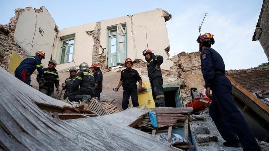 La isla griega de Lesbos empieza a evaluar los daños del terremoto de 6,1 grados