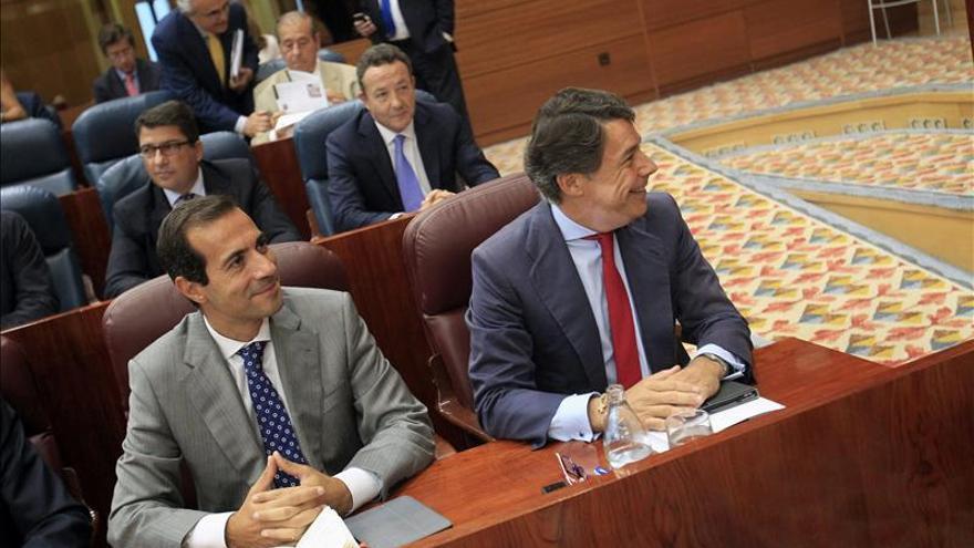 Ignacio González y Salvador Victoria, en la Asamblea de Madrid.