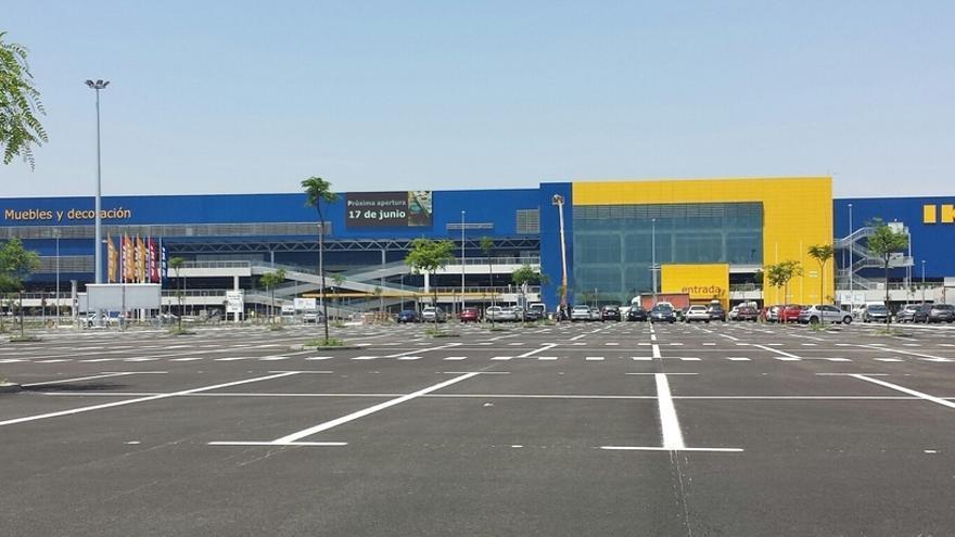 Ikea insiste en abrir los domingos mientras el pequeño comercio se opone