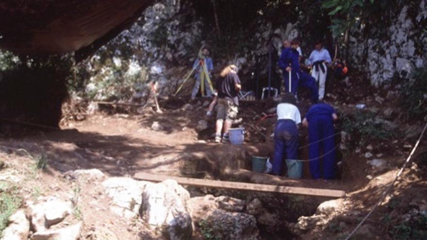 Los investigadores han retomado las excavaciones arqueológicas en la cueva de La Garma.