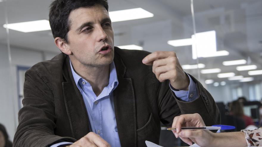 Borja Suárez, profesor de Derecho del Trabajo y Seguridad Social en la Universidad Autónoma de Madrid, en un momento de la entrevista.