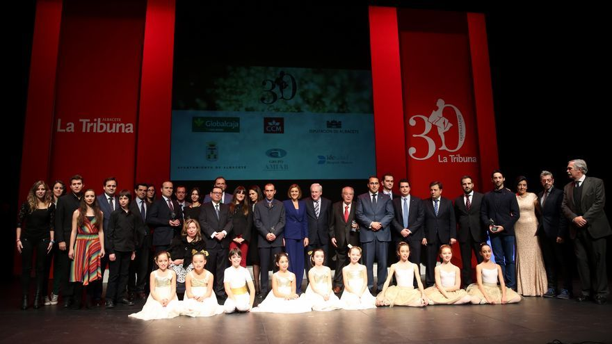 Cospedal en el acto del diario 'La Tribuna de Albacete' / Foto: JCCM