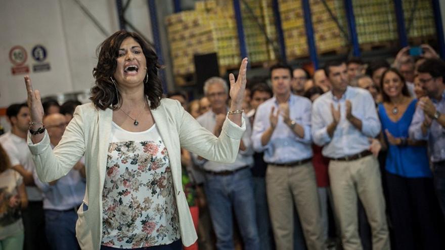 Carmen Luisa Castro, alcaldesa de Güímar, en un mitin con empresarios y junto a José Manuel Soria