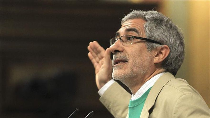 Llamazares (IU) pide al Gobierno que informe sobre las ayudas a Lorca
