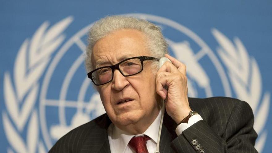 El mediador Brahimi intentará reunir en la misma sala a la oposición y gobierno sirios
