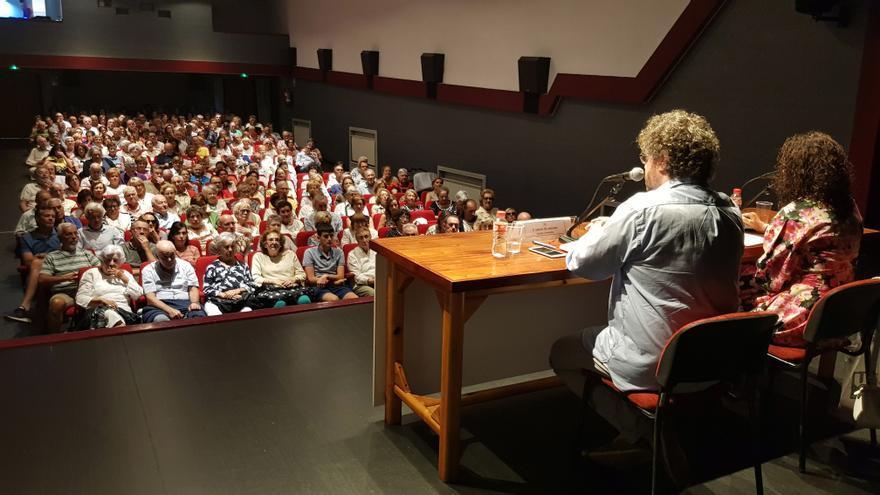 Archivo - Una conferencia en los Cursos de Verano de la UC. Archivo