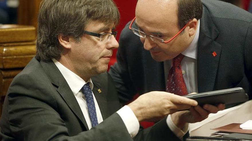 """Puigdemont critica a los que quieren """"enmerdar"""" usando los recursos públicos"""
