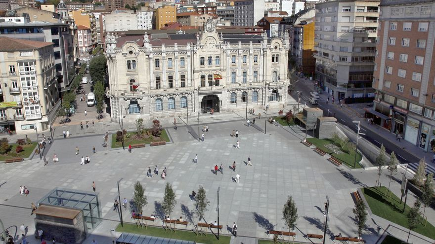 Imagen aérea de la plaza del Ayuntamiento de Santander.