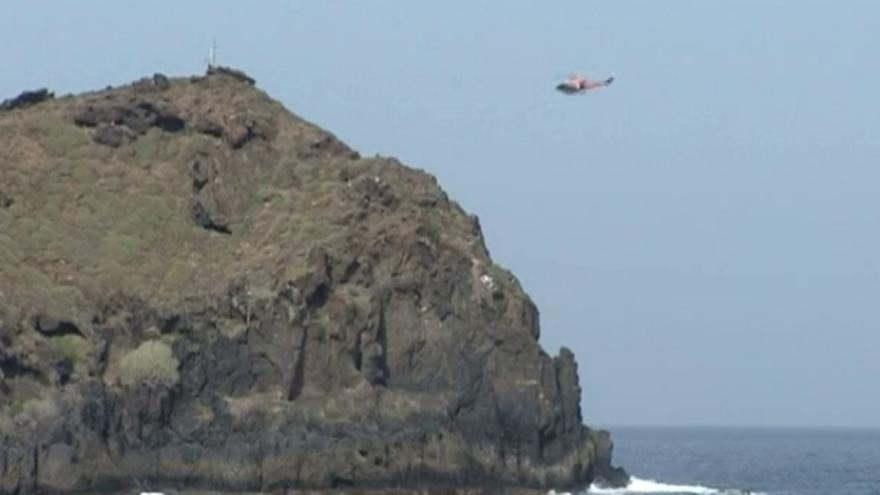 Helicóptero de búsqueda activado en el macizo de Anaga para localizar al pescador desaparecido de San Andrés