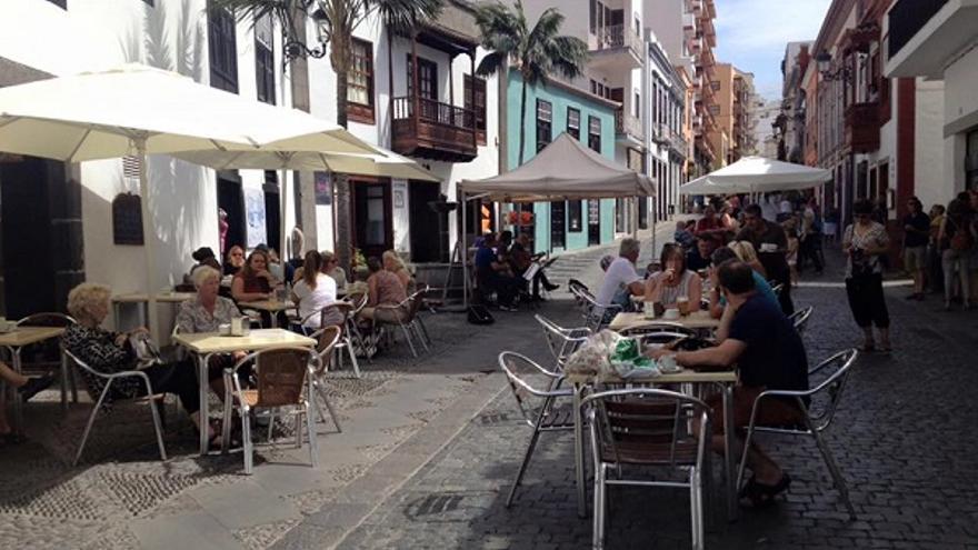 Bares en la Zona Comercial Abierta de Santa Cruz de La Palma.