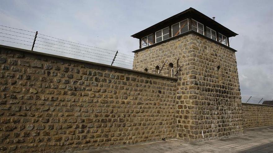 Miles de personas conmemoran las víctimas del campo de Mauthausen
