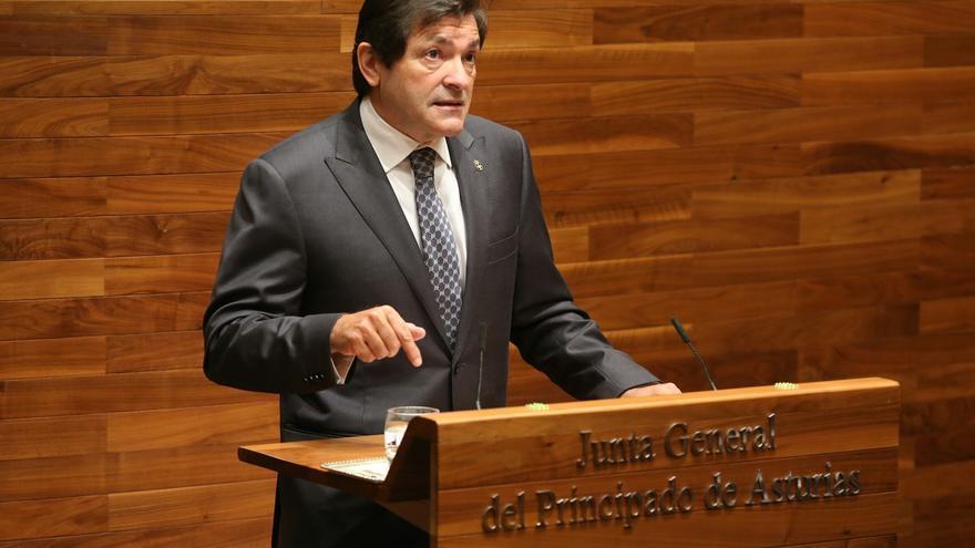 Javier Fernández pide por carta a Rajoy que convoque la Conferencia de Presidentes para tratar la nueva financiación