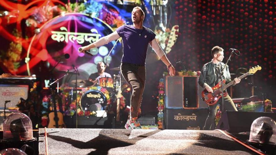 Coldplay revela la lista de canciones de su álbum en un aviso de un periódico