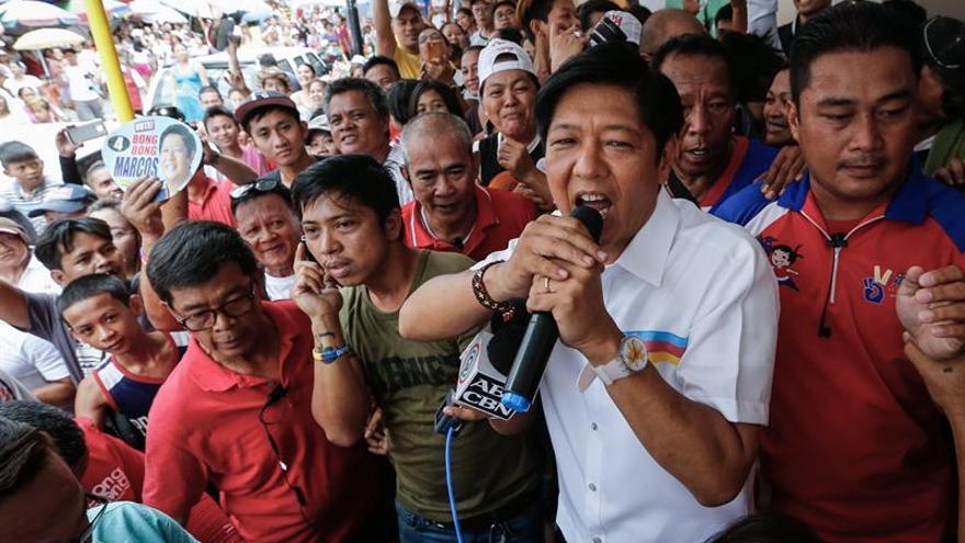 El hijo del exdictador Marcos, a las puertas de la Vicepresidencia filipina