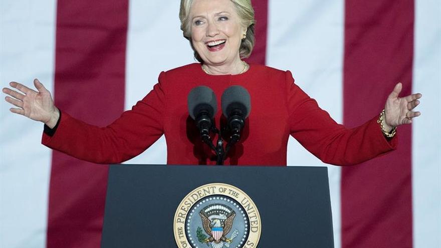 Clinton supera en 2 millones de votos a Trump, que ganó por el Colegio Electoral