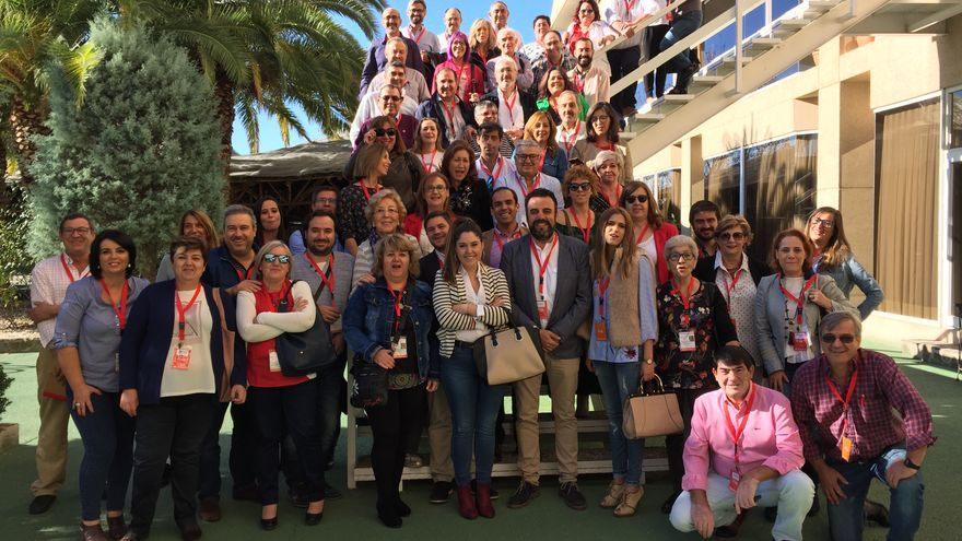 José Luis Blanco junto a delegados del PSOE-CLM