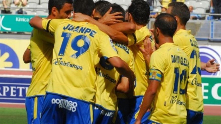 Los jugadores amarillos celebran el gol de Sergio Suárez (ACFI PRESS).