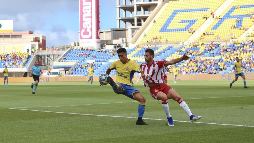 Imagen del choque Las Palmas-Almería celebrado en el Gran Canaria.