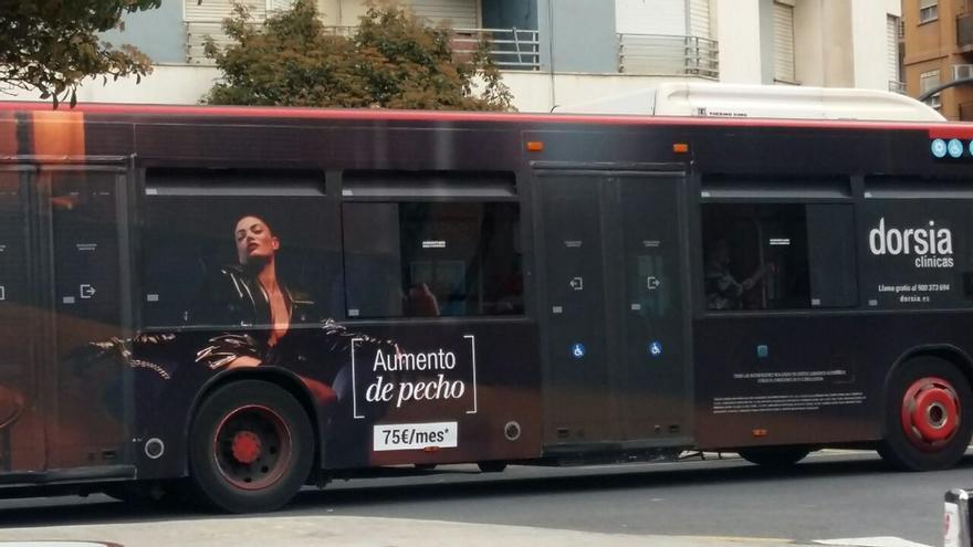 Una de las campañas sexistas expedientadas por la dirección general de Comercio