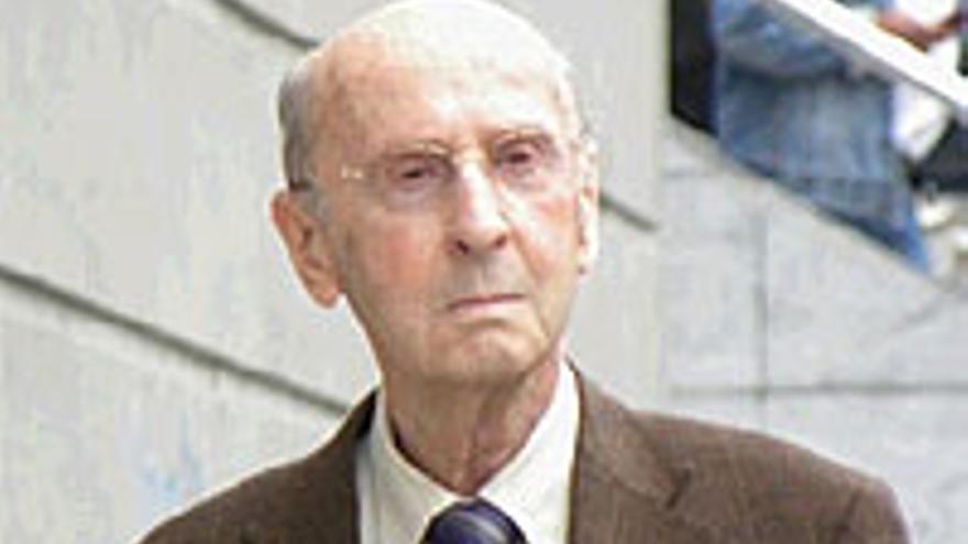 Don José, a su salida de los Juzgados de Santa Cruz de Tenerife.